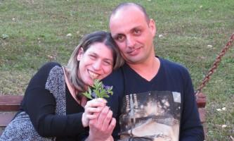 אהבה מיוחדת צחי ושלומית כפר עידוד