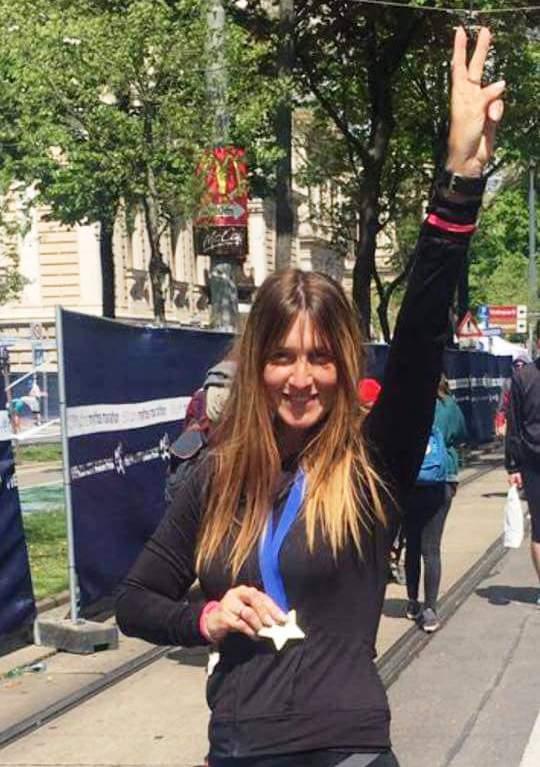 אני ניצחתי... טלי מולנר בעוד וי גדול בחצי מרתון בוינה