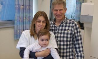 הצלת חיים. דר רובנשטיין, האחות אתי זיו והתינוקת רוני