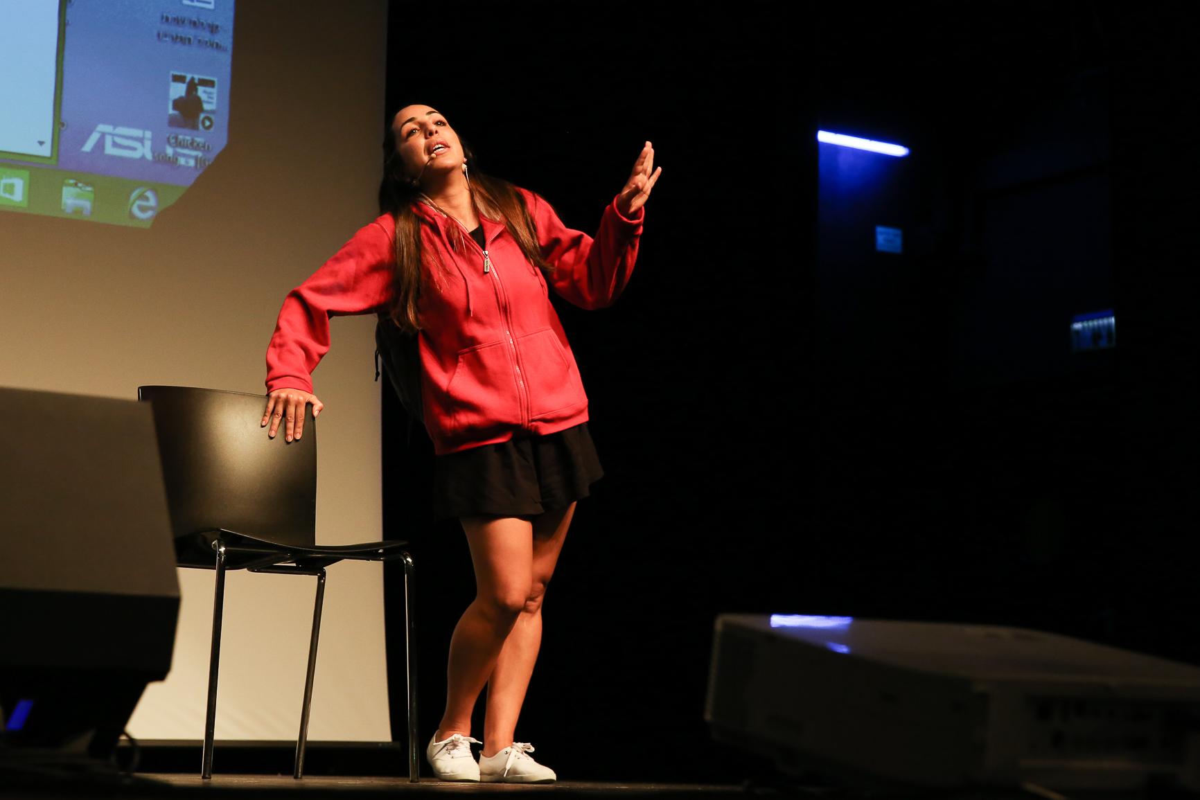 הDNA מור ענטר שחקנית תיאטרון אורנה פורת לילדים ונוער. צילום - נורית מוזס