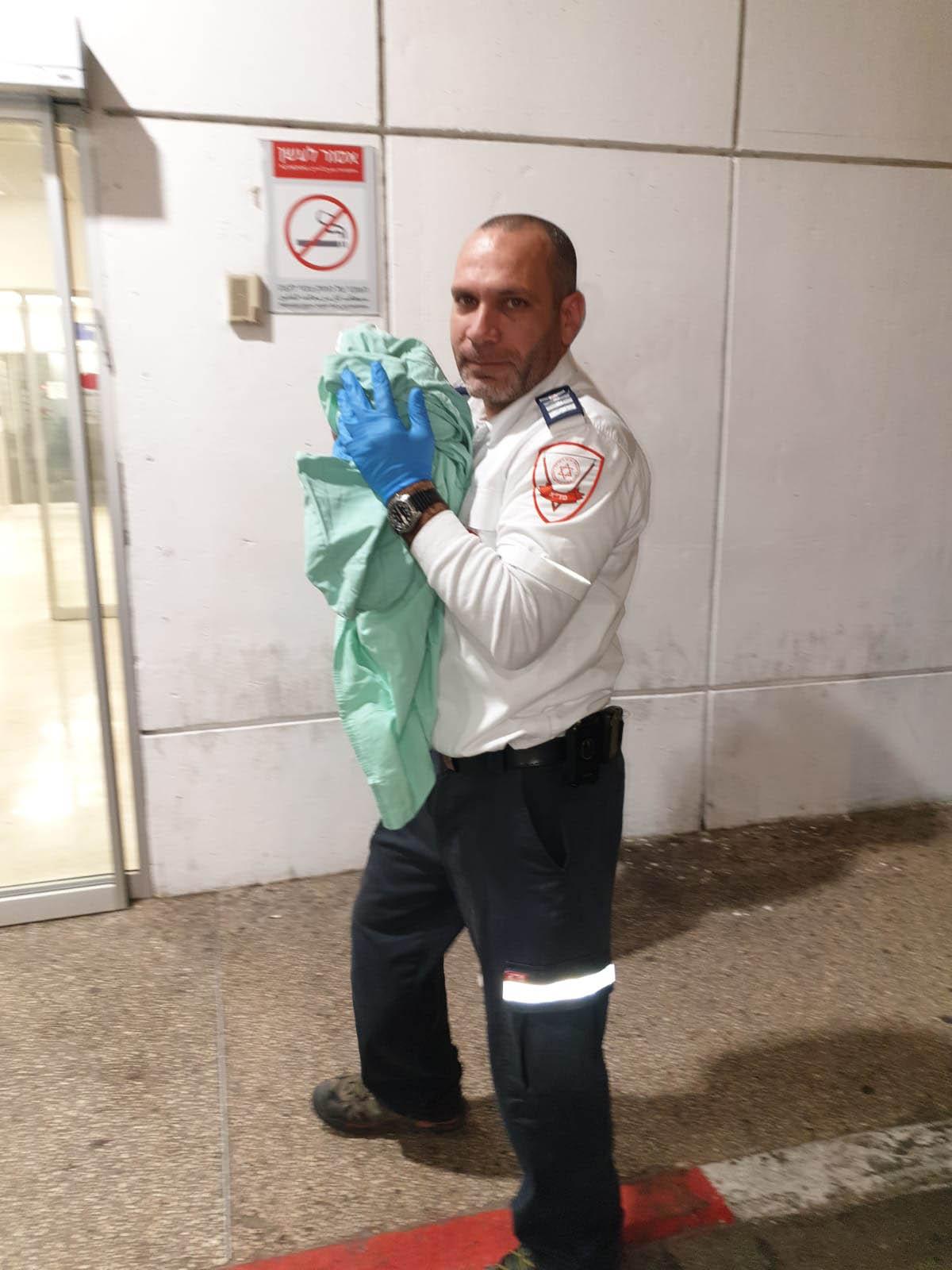 חובש רפואת חירום במדא אנואר שרקאוי - צילום דוברות מדא (1) (002)