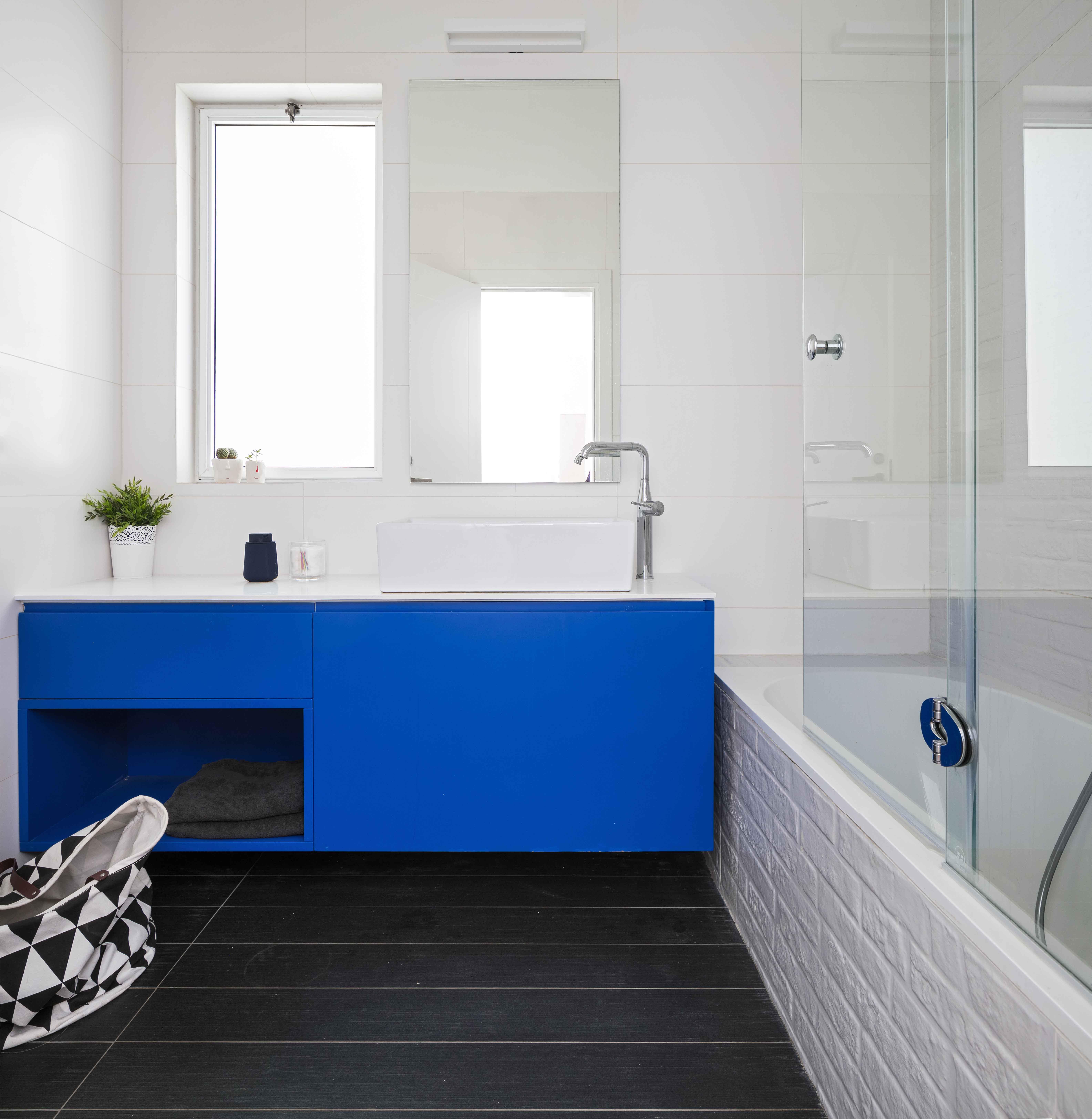 כחול ולבן פרויקט בעיצוב סטודיו דולו_ צילום עוזי פורת