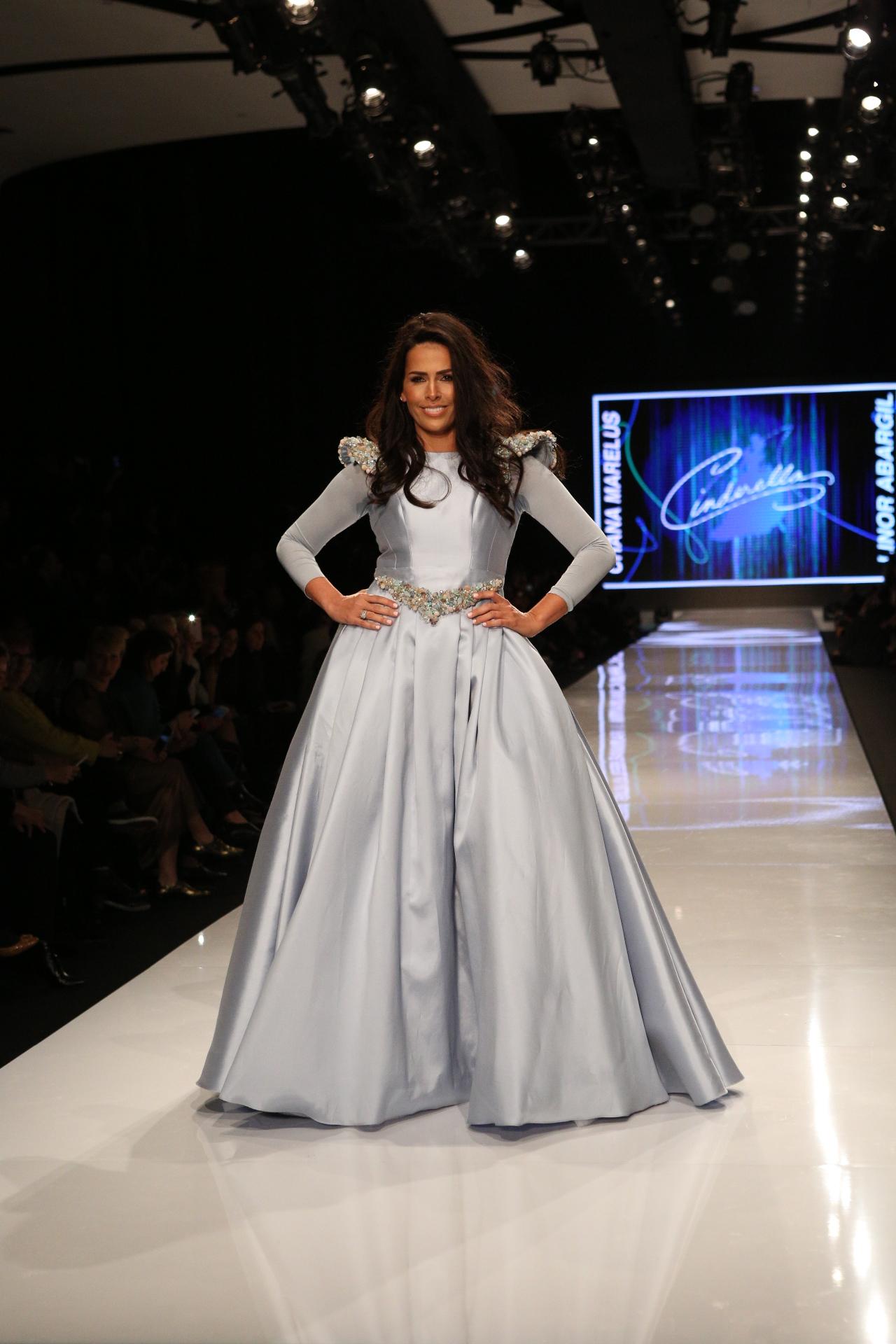 לינור אברג'יל בעיצוב של חנה מרילוס צילום עופר חן