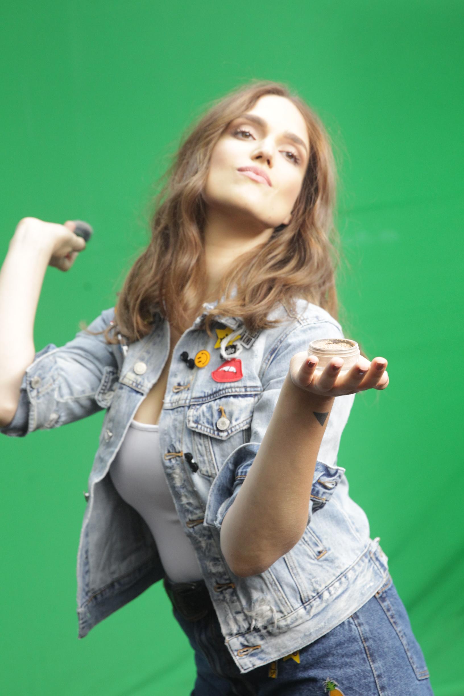 מארינה מקסמיליאן בצילומי קמפיין רשת אפריל. צילום- רפי דלויה (189)