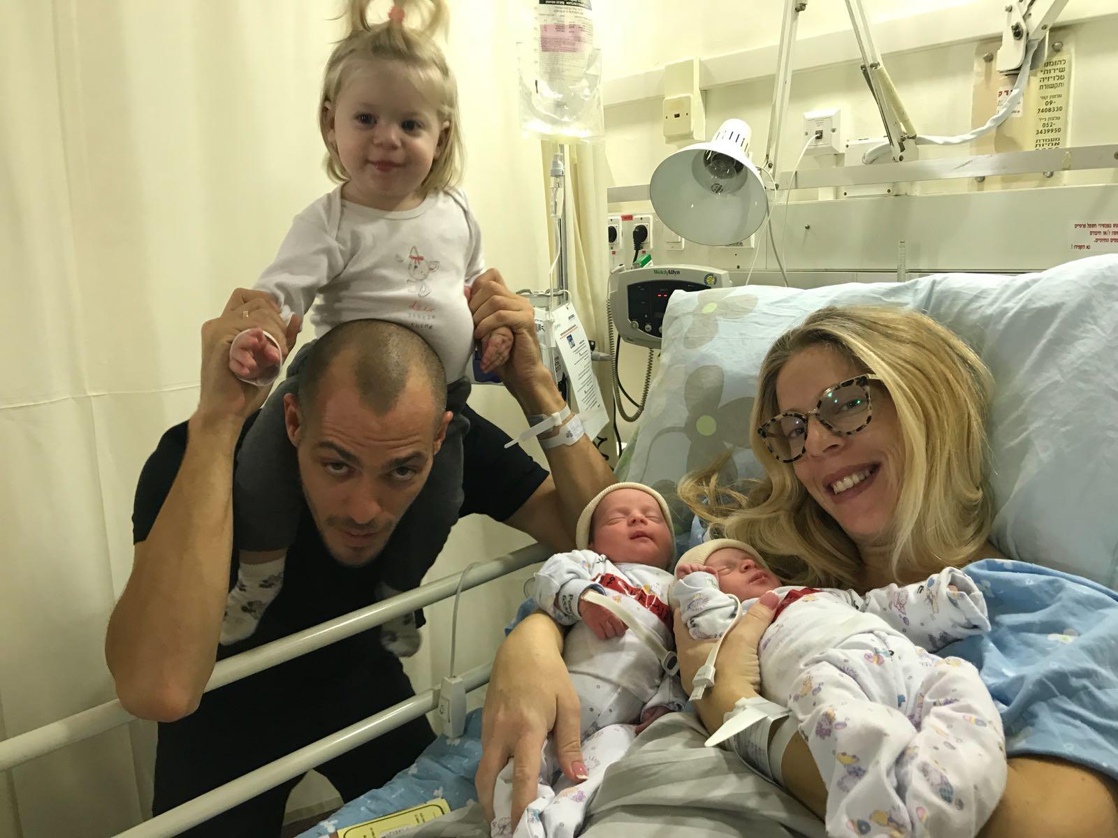 מזל טוב כפול... ענת וליעד פוגל מתחדשים בתאומות בשם הרחבת המשפחה