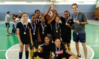 נבחרת קט רגל בנות של בית ספר יגאל אלון