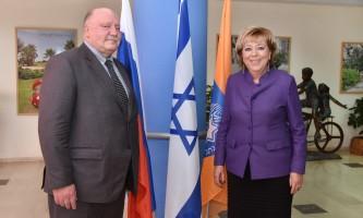 נעים להכיר. שגריר רוסיה בישראל
