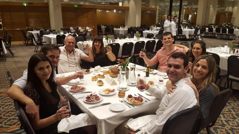 סגר 60... משפחת זיו חוגגת לאבא אפי במלון דן ירושלים