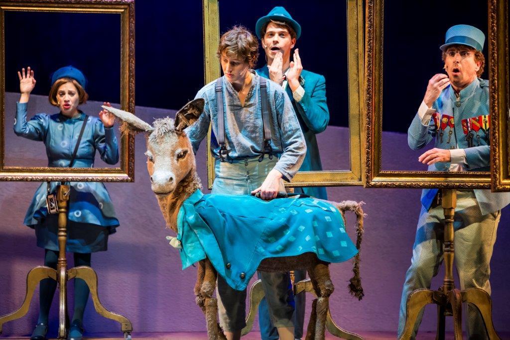 סל תרבות, לראשונה בנושא תאטרון. תמונה מההצגה הרפתקאות חמור שכולו תכלת