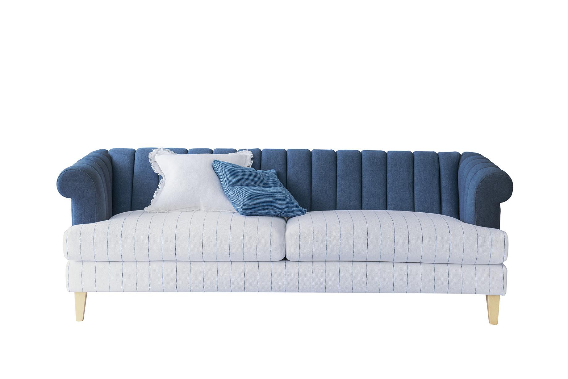 ספה בכחול לבן _מתוך קולקציית עילית הלבשה לבית