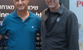 זיו קורן (מימין) ותמיר דגן, מנהל שיכון ובינוי נדלן
