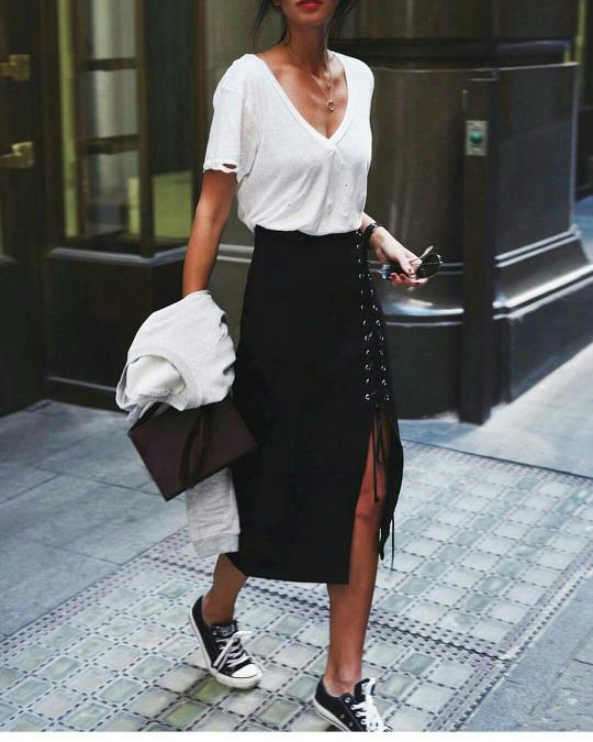 פינטרסט- עם חצאית מידי שחורה