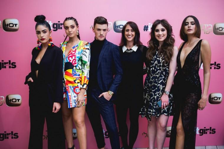 פרק סיום העונה...בנות ה ITGIRLS החדשות חונכות את חנות הפופ אפ שבחסותן יחד עם צילומי סיום העונה