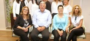 ראש העיר עם מנהלות אגפים