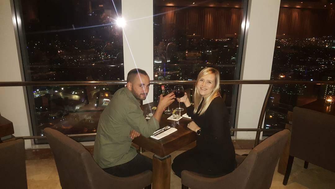 רומנטים... דניאל חיימוביץ ורעייתו הטריה במסעדת 2c בשם חגיגות היומולדת