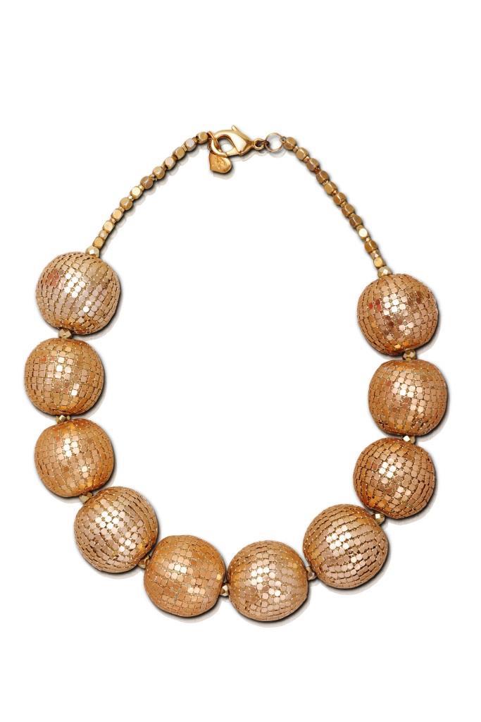 שרשרת כדורי דיסקו זהב, 548 שח, להשיג בסטודיו עדיים מכל הלב (יוסף ספיר 1 רמת גן), צלם יוסי גמזו לטובה
