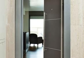 06_RavBariach_Doors_2