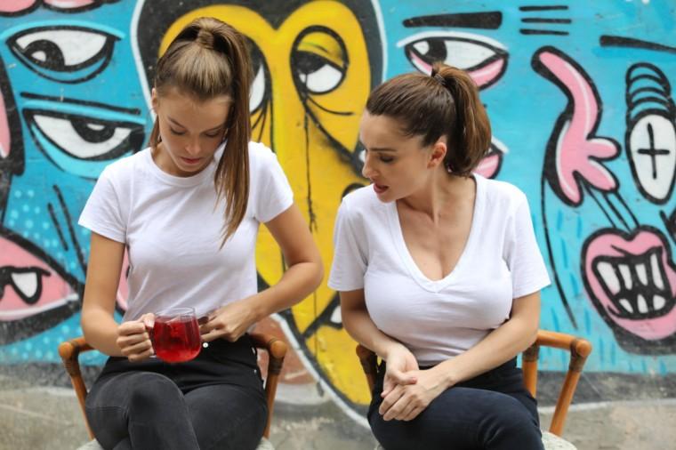 2אניה בוקשטיין ואנה זק ( מימין לשמאל)