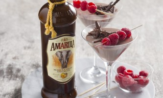 Amarula Mousse Martini with bottle HR 2015