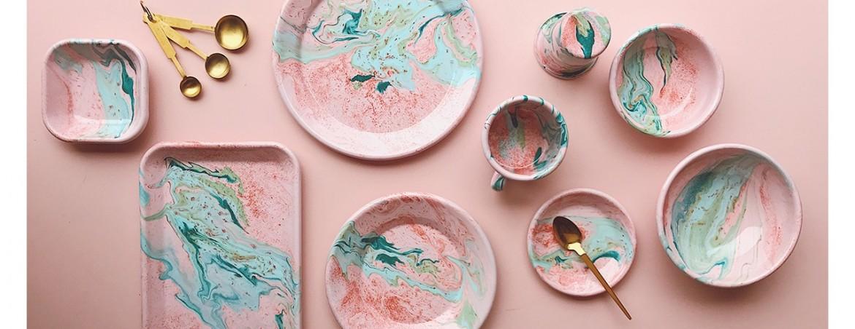 marble enamelware from 90 שח.להשיג ב prat living אתר www.pratliving.com וסטודיו גרשון שץ 13,תא - 5 דק מעזריאלי. צילום יחצ
